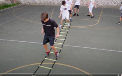 Dynamická rozcvička s kužeľmi, frekvenčným rebríkom a koordinačnými kruhmi