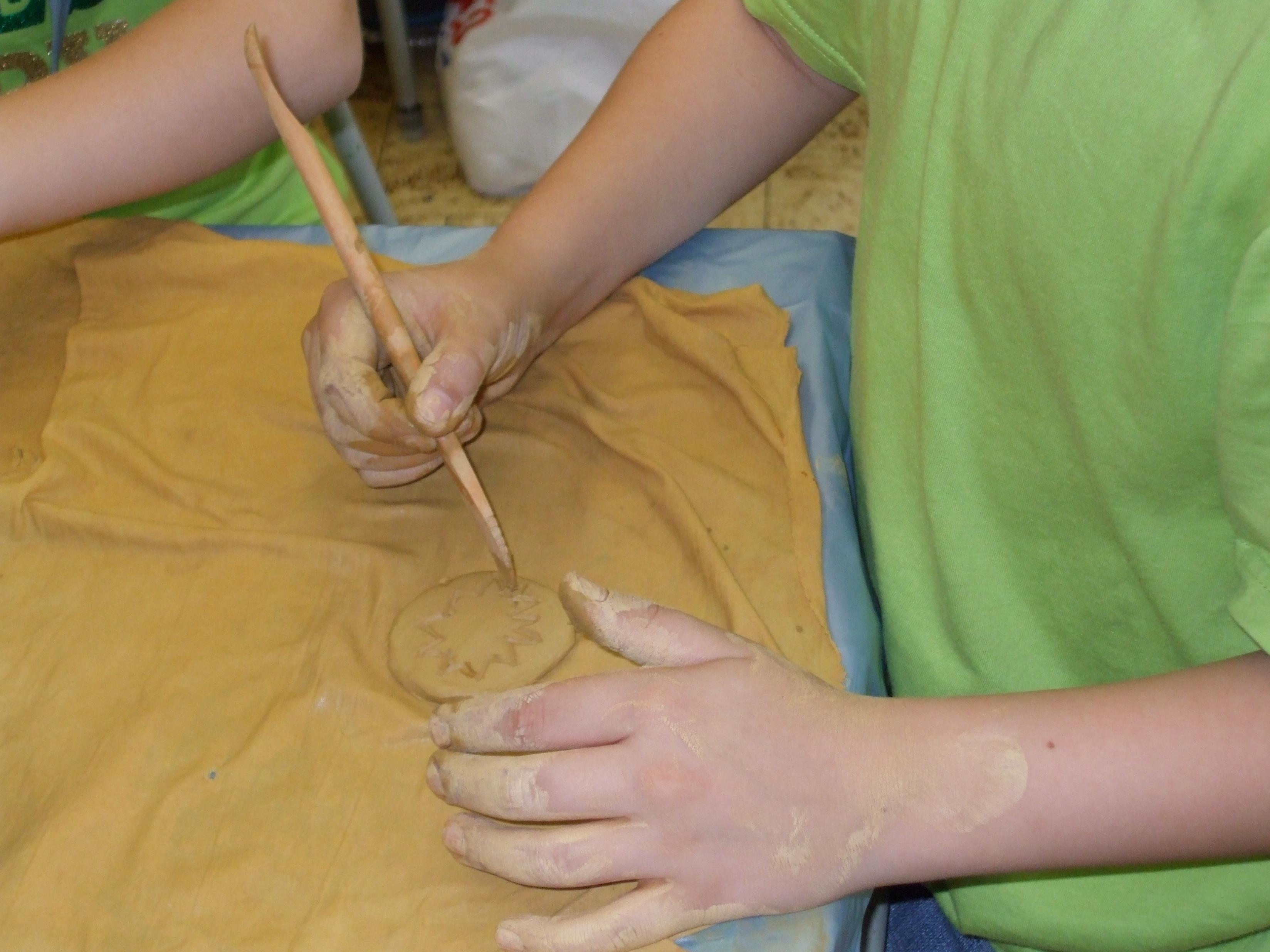 Prvá keramika vytvorená deťmi z výtvarného krúžku