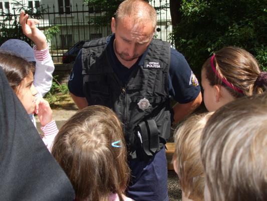 Mestská polícia v ŠKD