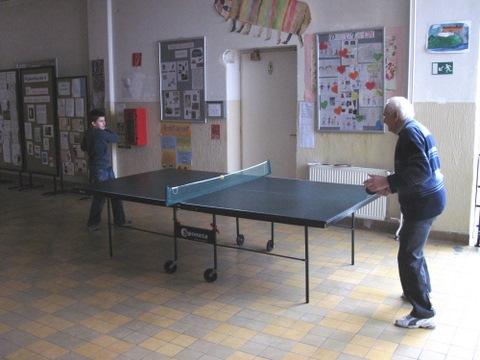 Ping-pongový učiteľsko-žiacky vianočný turnaj