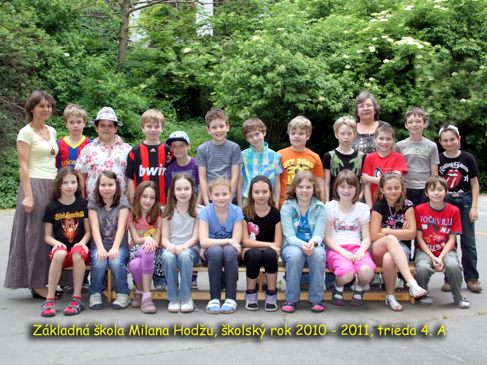 Spoločné fotografie tried a učiteľov v roku 2010/2011