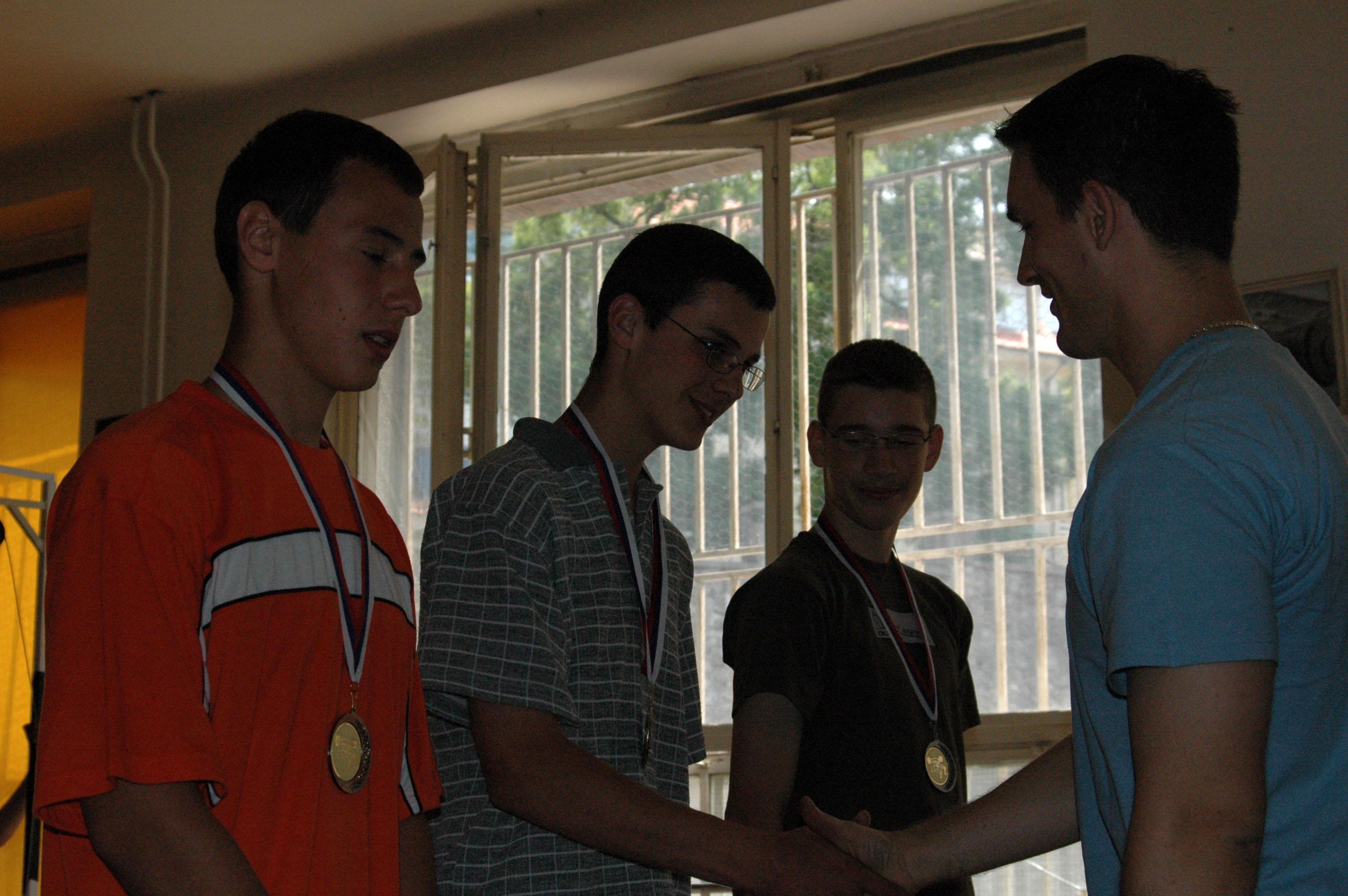 1. Silácka súťaž na ZŠ Dr. Milana Hodžu