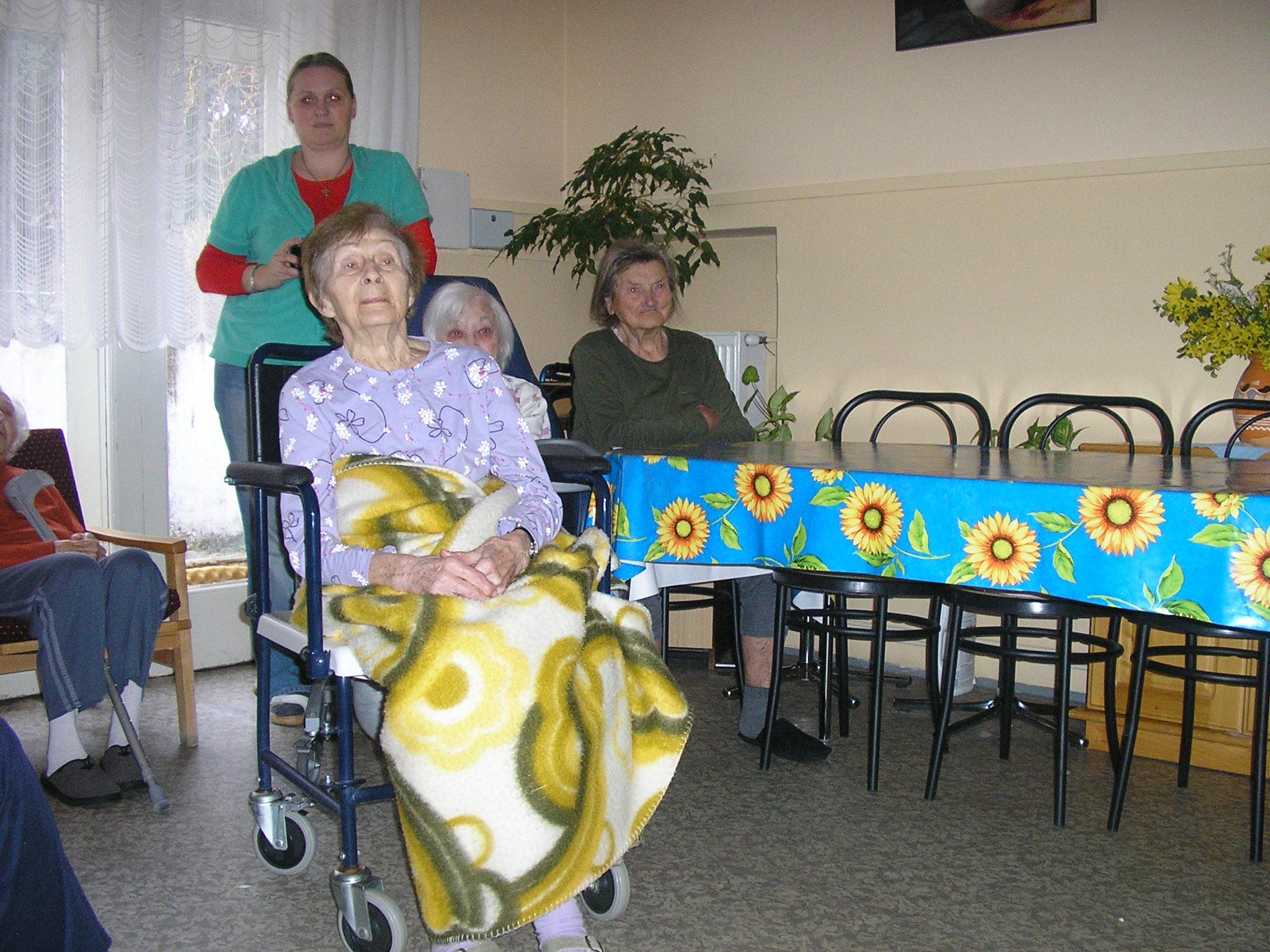 MDŽ v Domove dôchodcov - Uctime si našich starkých