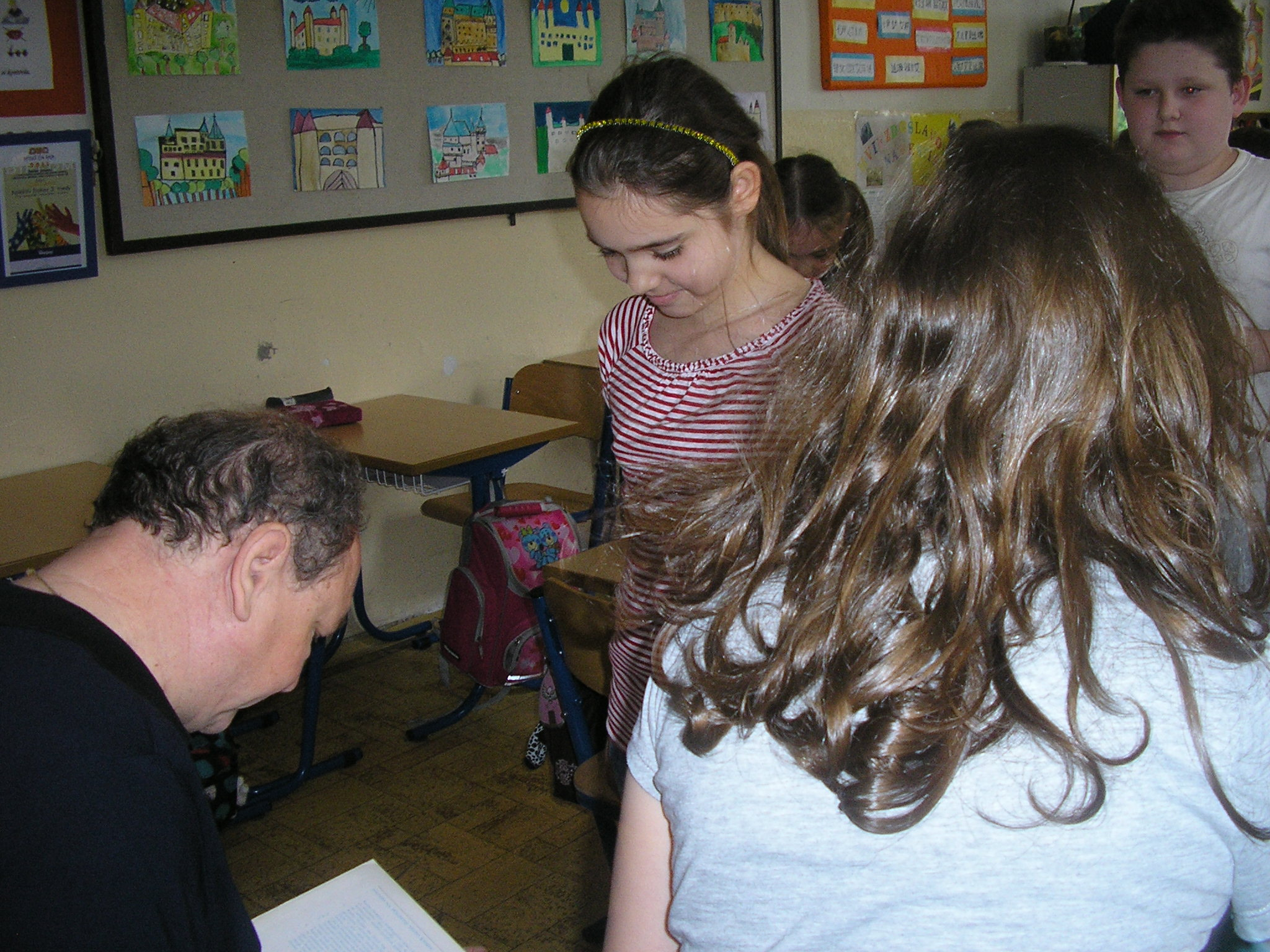 Daniel  Hevier navštívil 4. B - projekt Náš spisovateľ