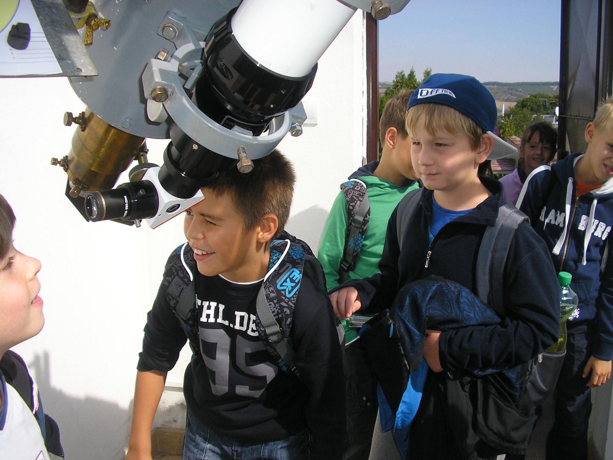 Hvezdáreň a planetárium v Hlohovci
