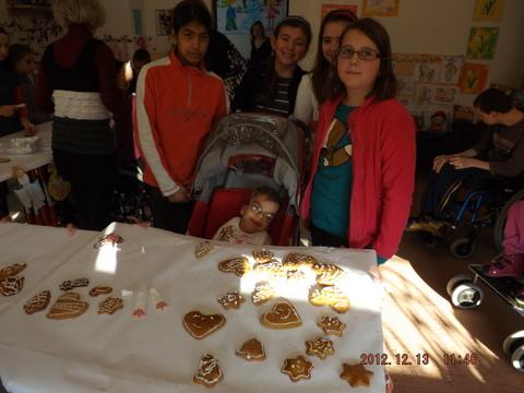 Vianočné stretnutie s deťmi z Dúbravskej cesty