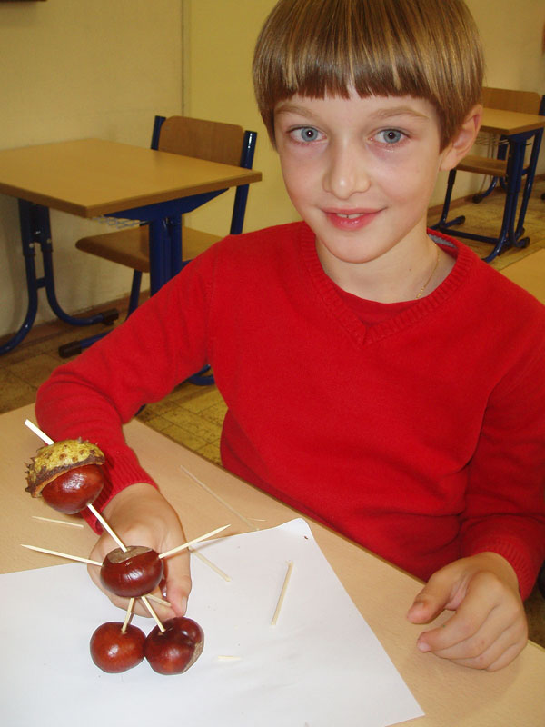 Hravý a kreatívny október v školskom klube