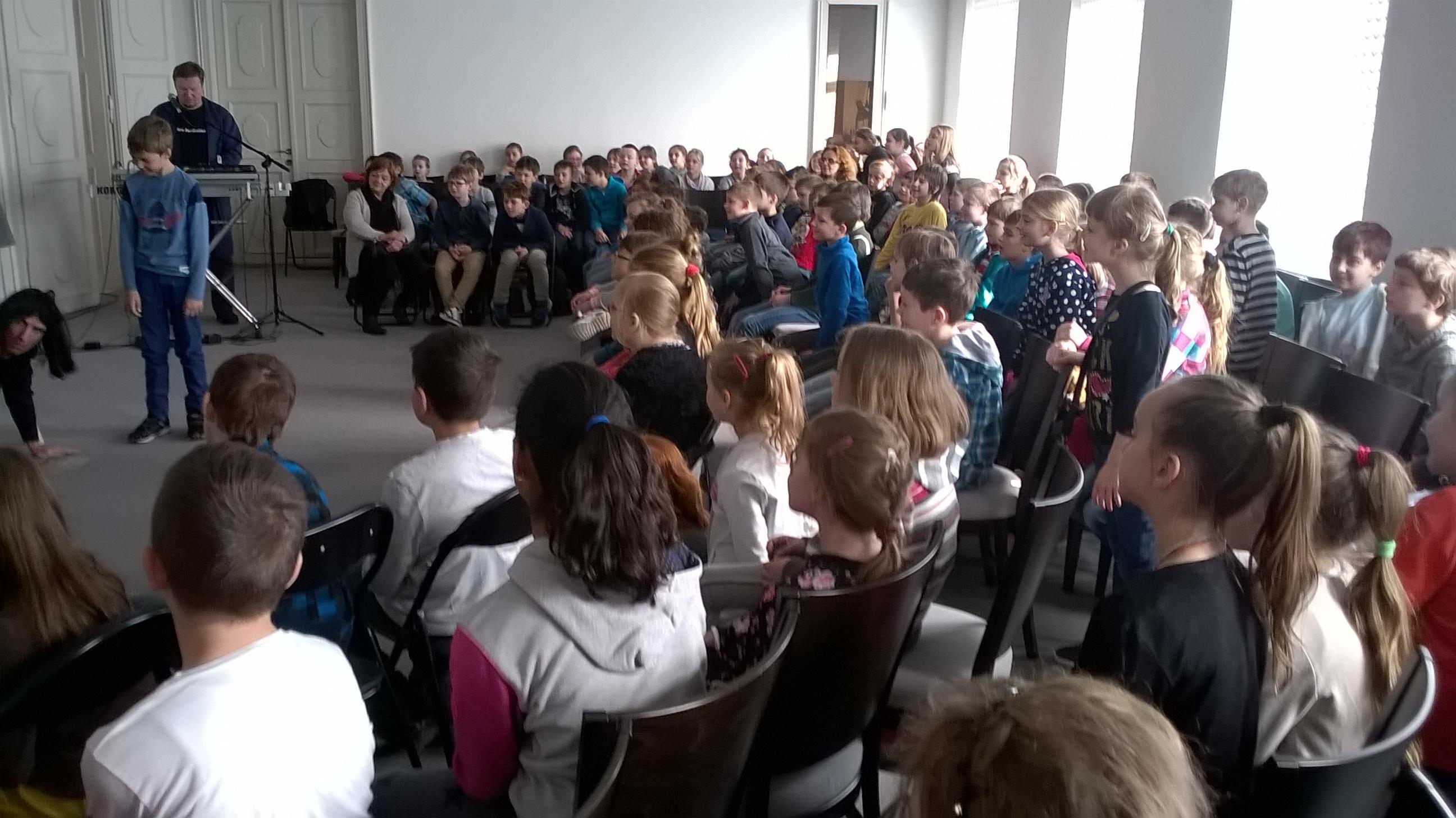 Výchovný koncert v Zichyho paláci