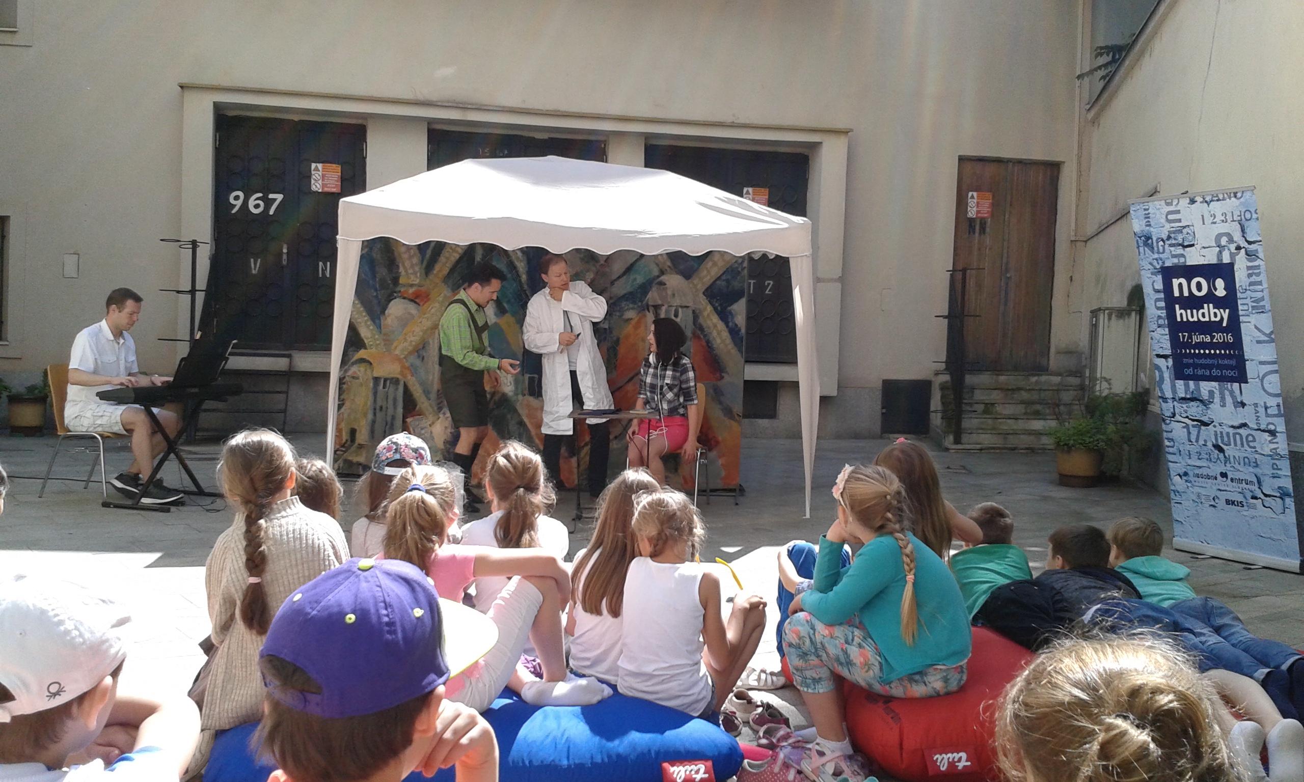 Opera Nápoj lásky v Hudobnom centre